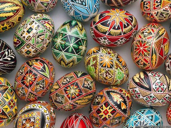Пофарбовані пасхальні яйця