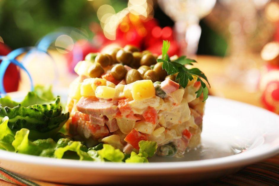 Новорічні салати 2020: нові рецепти з фото