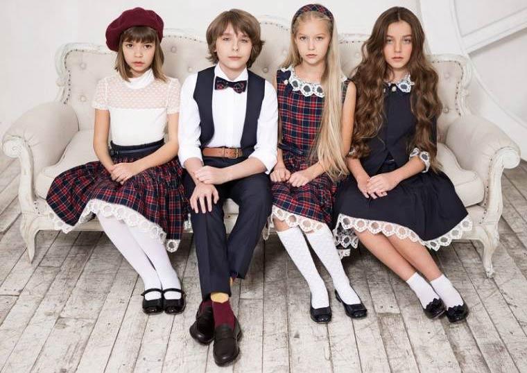 Форма для дівчаток - шкільний сарафан