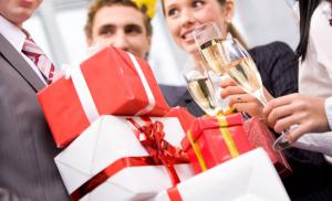 Цікаві корпоративні подарунки на Новий рік 2020