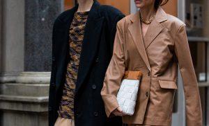 Модний базовий гардероб на осінь 2022 року