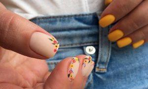Манікюр на короткі нігті 2022 і модні тенденції з фото