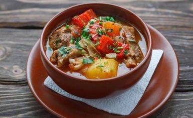 Гарячі страви на Новий рік 2022