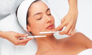 Сприятливі дні для косметичних процедур в квітні 2021 року