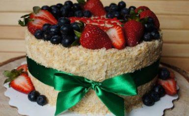 Смачні торти на Новий 2022 рік